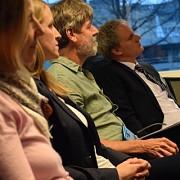 Gespannte Zuhörer bei unseren Vorträgen auf dem Roundtable